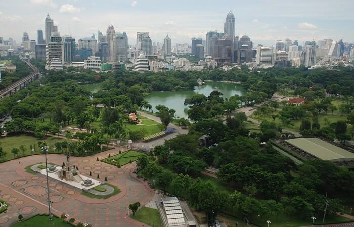 tempat wisata di bangkok ini memebrikank esejukan diantara panasnya kota