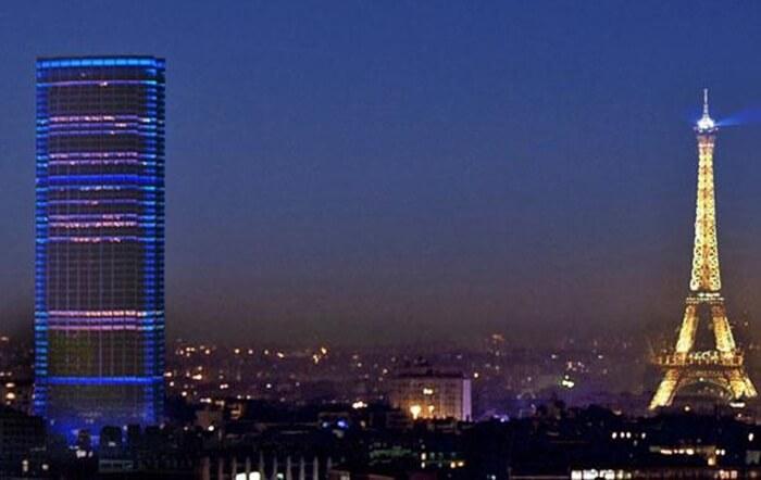 59 Lantai menara tempat wisata di Paris ini ditempati oleh perkantoran, sementara dua tingkat dibuka bagi umum untuk memandangi kota.