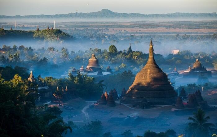 Tempat wisata di Myanmar berupa Reruntuhan kota kuno yang memiiki kekayaan sejarah dan pemandangan luar biasa ini bisa nyaris tak dikenal oleh dunia.