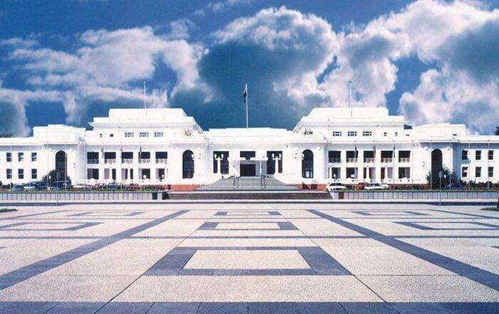 Tempat wisata di Canberra Museum Demokrasi Australia di Gedung Parlemen Lama menceritakan kisah demokrasi Australia dan terus menghormati nilai-nilai warisan