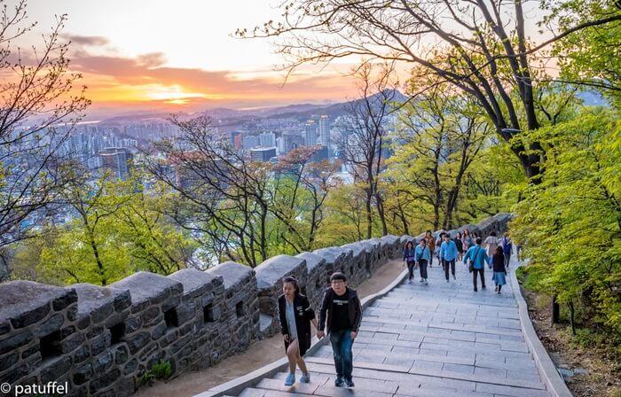 Tempat wisata di Seoul ini selalu terlihat indah dan bagus untuk foto-foto pada musim apapun.