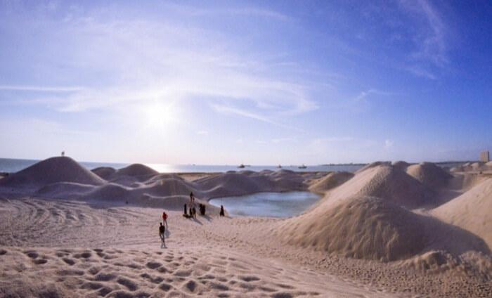 Pantai Klebeng sebuah tempat wisata di melaka yang kerap dijadikan lokasi bermain layangan