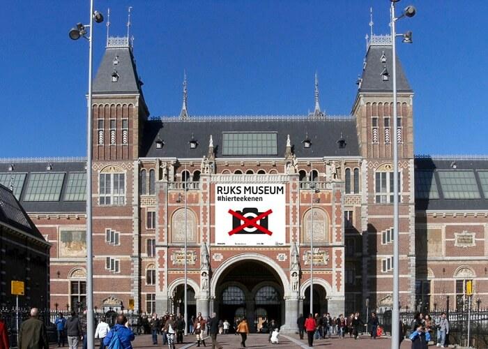 . Tempat wisata di Belanda ini merupakan museum seni dan sejarah terbesar di Belanda. Setiap tahunnya Rijksmuseum menarik ribuan pengunjung.