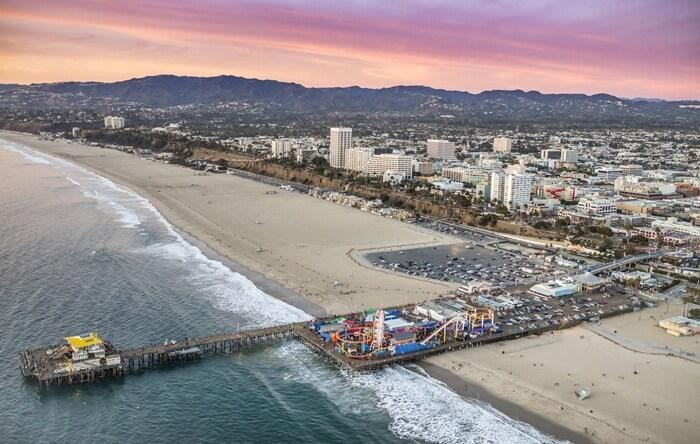 Pantai Tempat Wisata di Los Angeles di tepian Samudera Pasifik itu sungguh bersih dan terawat