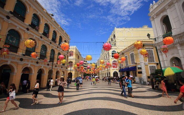 Bangunan-bangunan di sekitar tempat wisata di Macau ini memiliki sejarah panjang