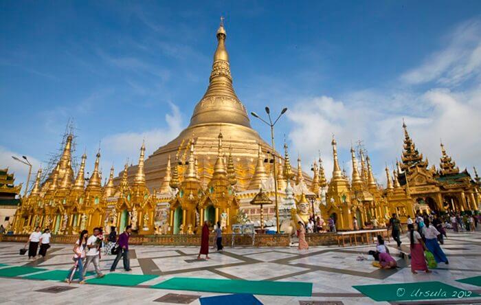 kuil tempat wisata di Myanmar ini dibangun mulai abad ke-6 masehi, ketika sepasang saudara bernama Taphussa dan Bhalikka datang menghadap Raja Okkalapa.