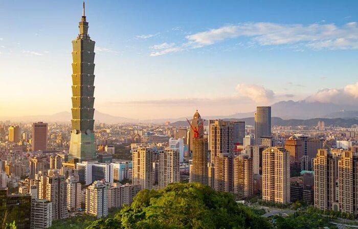 di tempat wisata di Taiwan ini pengunjung bisa berwisata belanja barang mewah