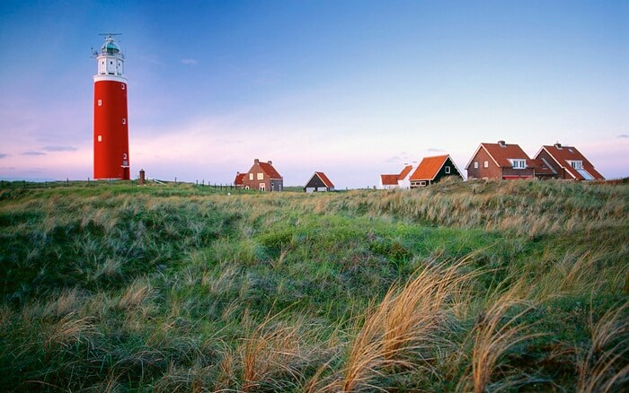 Kepulauan Tempat wisata di Belanda ini merupakan gugusan pulau yang memisahkan Laut Utara dengan Laut Wadden.