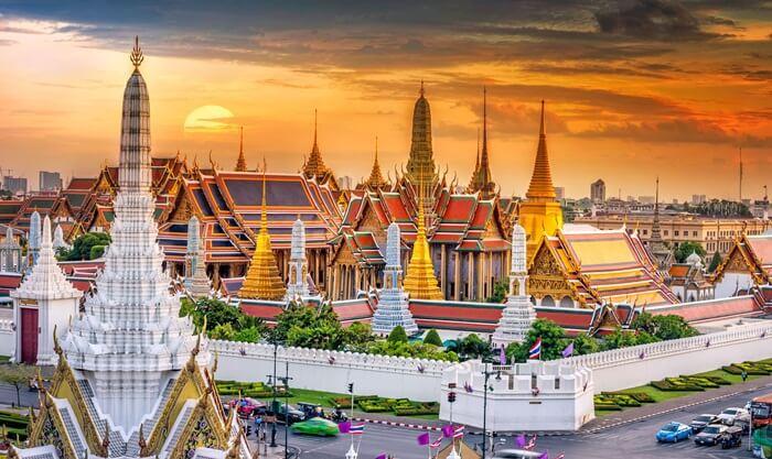 The-grand-palace, tempat wisata di thailand yang emrupakan istana kediaman raja pada masa lalu