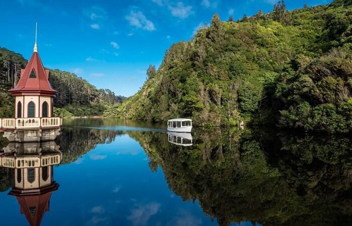 Tempat Wisata di New Zealand berupa Area konservasi ini membentang seluas 225 hektar di Wellington