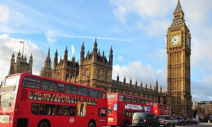 Hal yang menarik dari menara jam tempat wisata di London ini adalah ketepatan waktu yang sangat bisa dihandalkan
