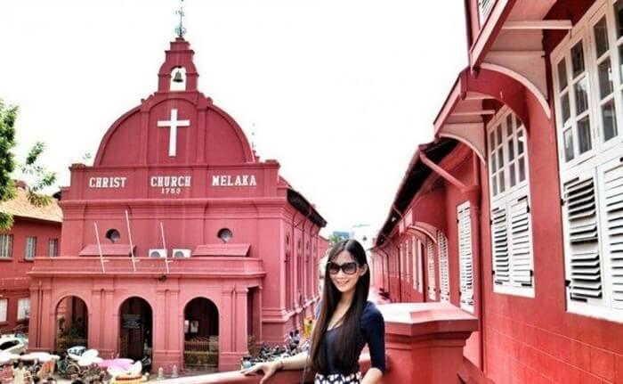 Christ Church Melaka, tempat wisata di melaka yang menghadirkan sosok salah satu gereja tertua di asia tenggara