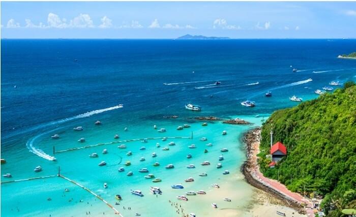 Di tempat wisata di Pattaya itu pengunjung bisa melihat pemukiman penduduk dan segala aktivitas yang mereka lakukan.