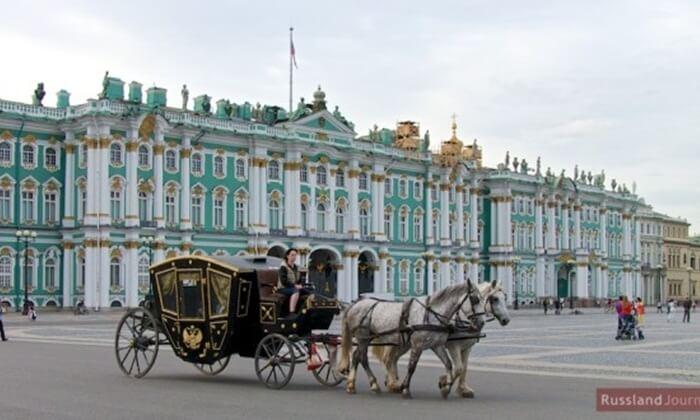 Koleksi museum tempat wisata di Rusia ini dari jaman Italian Renaissance di museum ini, seperti lukisan Madonna karya Leonardo da Vinci