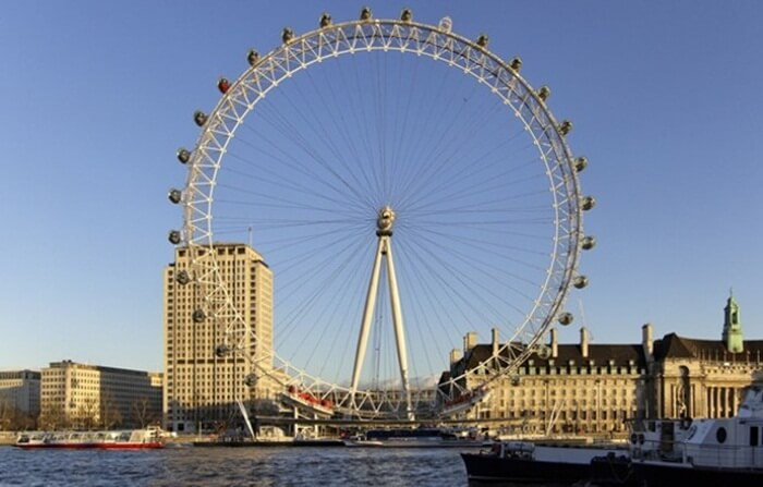 London Eye, tempat wisata di London paling laris yang ada di ibu kota negara.