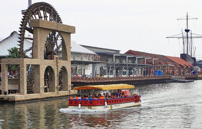 Melaka River Cruise, berkeliling di tempat wisata di melaka sungai besar disepanjang kota