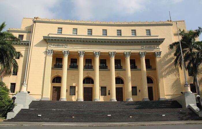 Koleksi-koleksi bersejarah yang dimiliki oleh tempat wisata di Filipina Museum Nasional ini dibagi menjadi empat kategori. Seni, etnografi, arkeologi, dan sejarah.