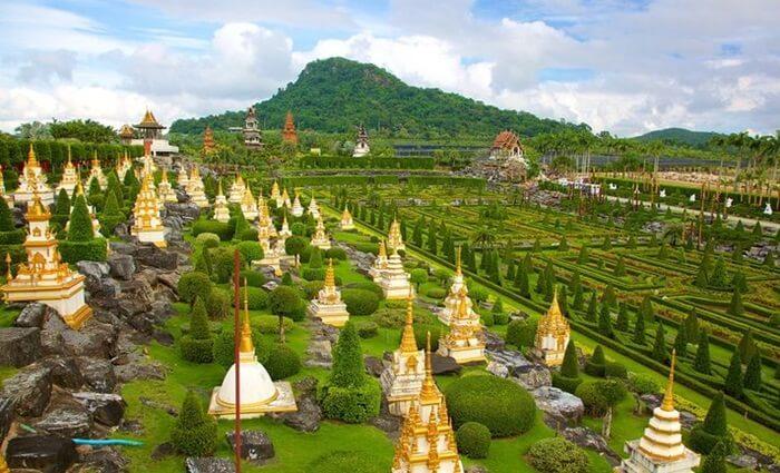 nong nooch, tempat wisata di thailand yang ebrupa pertamanan yang luas dan juga ada pertunjukan kebudayaan