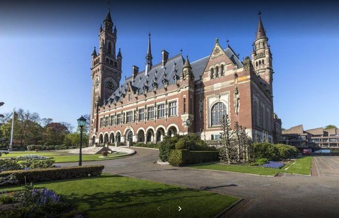Tempat wisata di Belanda berupa Istana bergaya Neo-Renaissance yang sangat bersejarah ini uniknya diisi dengan berbagai barang atau benda-benda yang merupakan hadiah dari beberapa negara lain
