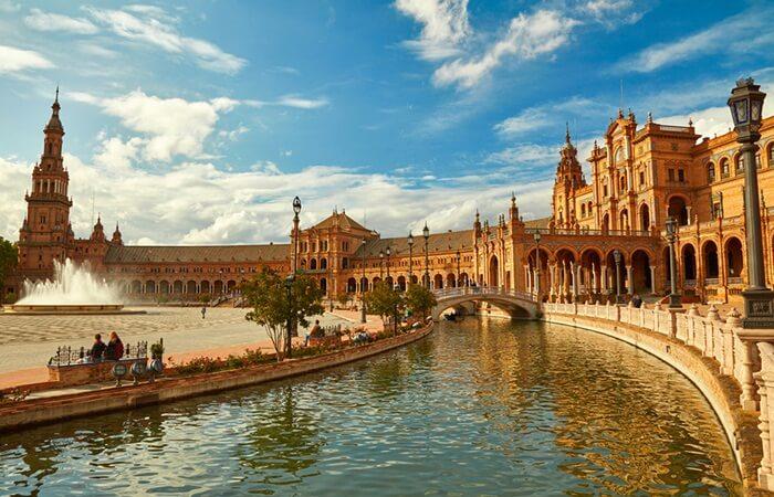 plaza espana seville - Tujuan Wisata Spanyol Paling Memikat
