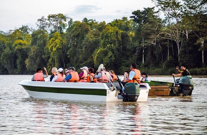 Selama tur di tempat wisata di Brunei Darusalam ini, salah satu pemandangan yang paling unik dan tidak ada di pulau lain adalah menemukan Bekantan.
