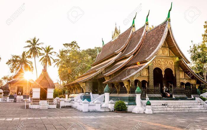 tempat wisata di Laos ini merupakan tempat berkumpul yang penting untuk perayaan tahunan di Luang Prabang