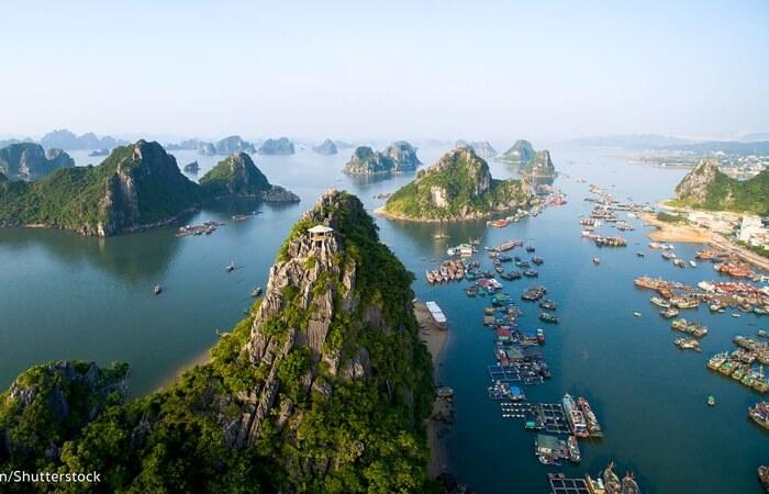Tempat wisata Vietnam semakin populer karena biaya yang tidak begitu mahal untuk berlibur kesana. Walaupun terbilang cukup murah untuk dijadikan destinasi liburan, namun bukan berarti wisata Vietnam tidak menarik.