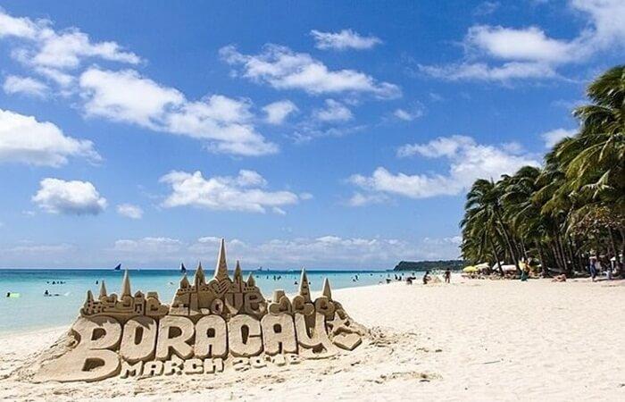 Ada banyak tempat wisata di Filipina. Ini adalah negara yang terdiri dari lebih dari 7.000 pulau dan memiliki berbagai wisata alam yang sangat beragam.