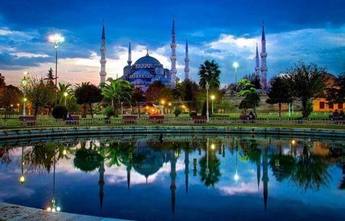 Tempat wisata di Istanbul tidak bisa dilepaskan dari kata Sejarah dan Budaya.