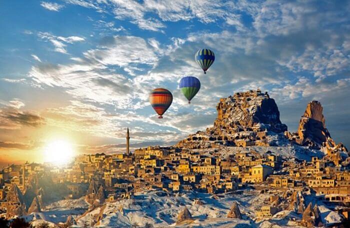 Tempat wisata di Turki tidak melulu Objek wisata Sejarah saja.  Turki juga memiliki Pantai dan Pedesaan yang juga layak diperhitungkan.