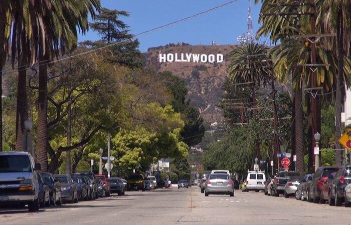 Tempat wisata di Los Angeles sarat variasi, dengan berbagai tempat dan kegiatan yang dapat menghibur anak-anak maupun orang tua.