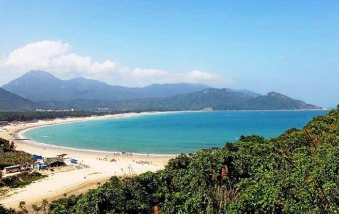 Pantai tempat wisata di Shenzhen ini masuk ke dalam 10 tempat terindah di Cina versi National Geographic.