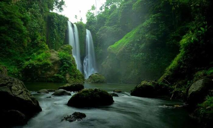 Tempat wisata Aceh, Air Tejun Blang Kolam cukup tinggi. Memiliki ketinggian sekitar 75 meter.