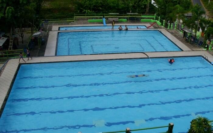 Bukit Lerep Indah adalah tempat wisata Ungaran yang menawarkan para pengunjungnya sebuah kolam renang yang airnya bersumber dari pegunungan Ungaran.