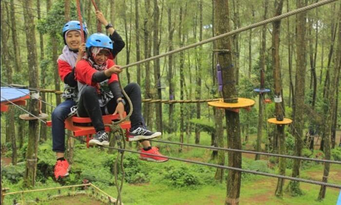 . Tempat wisata Magetan ini didesain untuk rekreasi liburan serta beberapa program outbound.
