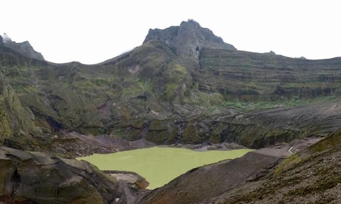 Kawah gunung Kelud, salah satu spot andalam dalam wisata gunung kelud
