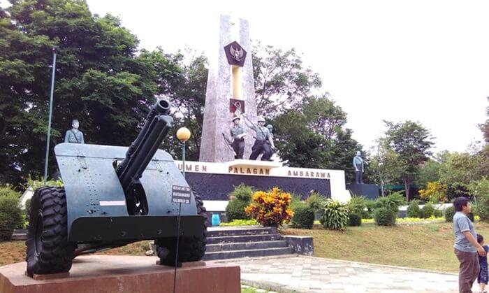 Di monumen tempat wisata Ambarawa ini, pengunjung dapat menemukan peninggalan pemerintahan Jepang dan Belanda.