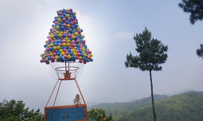 Spot foto unik didesain lucu oleh pengelola wisata pabangbon.