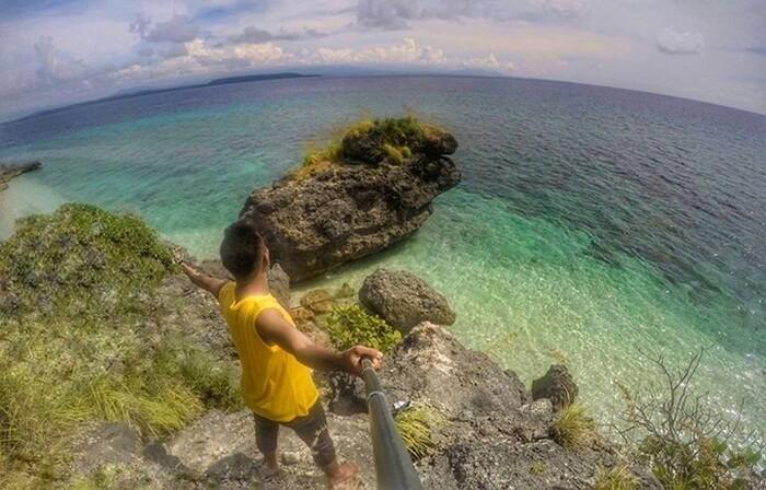 pantai Raja Sua pulau moyo dengan spot menawannya