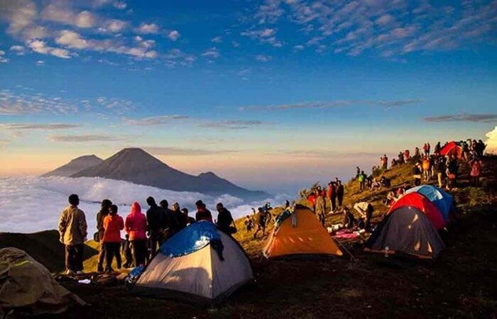 tempat wisata Wonosobho, sebuahnkabupaten di dataran tinggi di tengah-tengah pula jawa