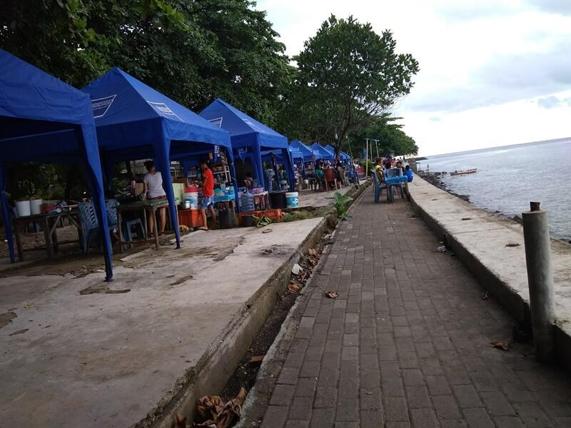 Hunting Kuliner Di Pantai Malalayang