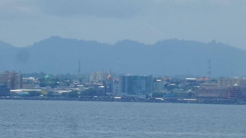 Lokasi Pantai Malalayang Dekat Pusat kota Manado