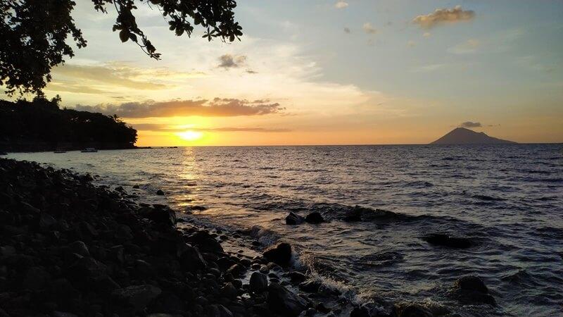 Pantai Malalayang Proyeksi Bali Baru