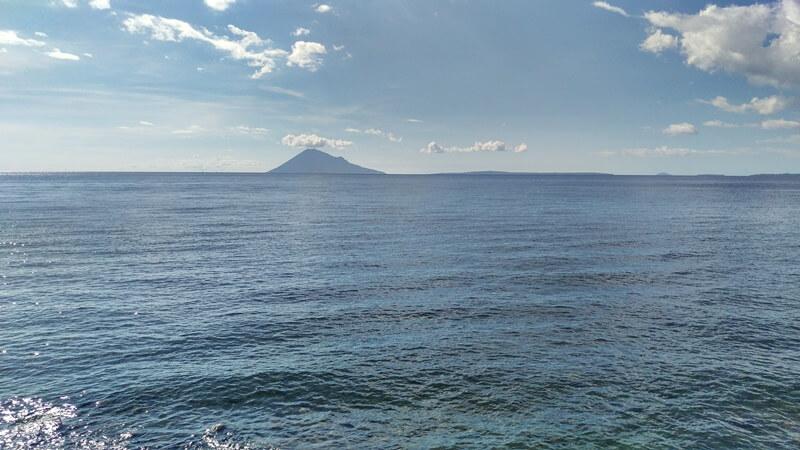 Pesona Gunung Pantai Malalayang