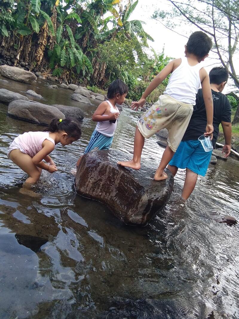 Biarkan Anak Anak Lebih Dekat Dengan Alam