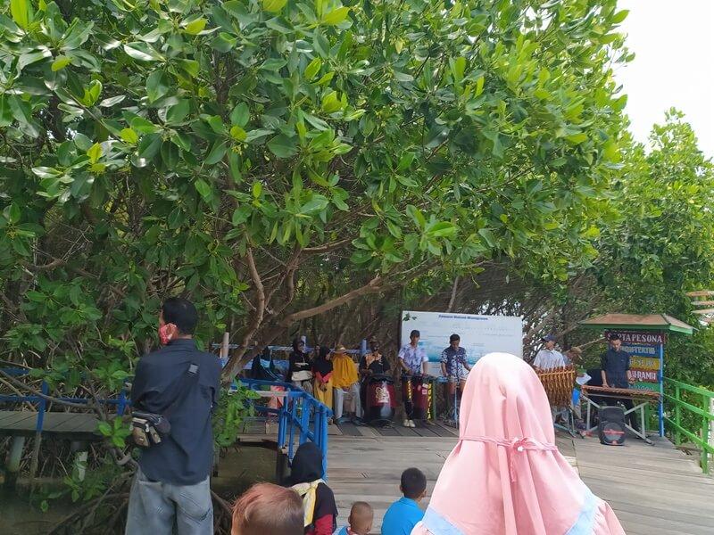 Wisata Keluarga Di Mangrove Brebes