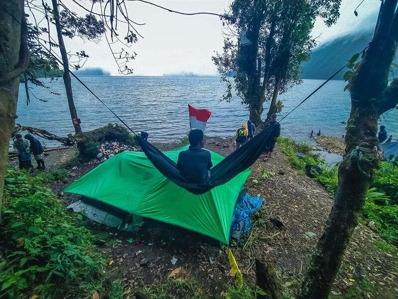 camping di danau gunung tujuh