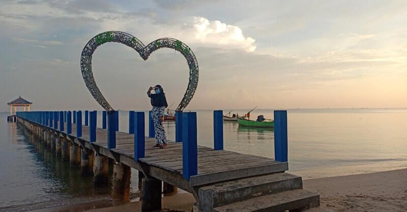 Jembatan Cinta Spot Foto Favorite Pengunjung