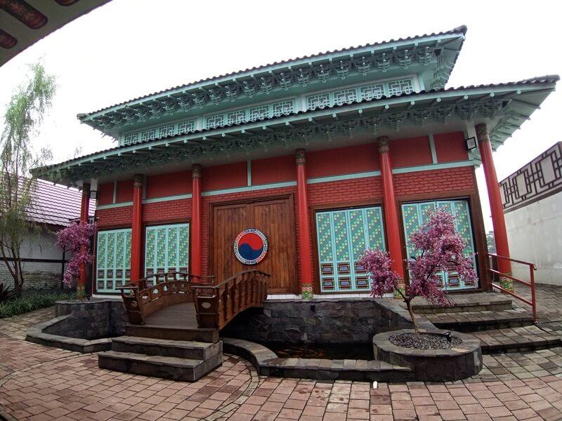 Kampung Korea Kiara Artha Park Bandung