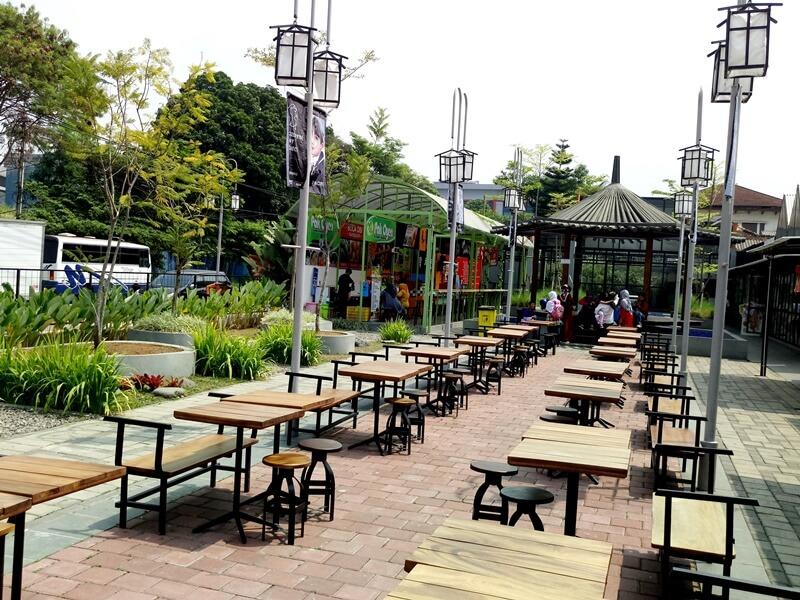 Tempat Makan Kiara Artha Park